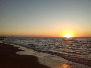 داستان زیبای یک روز کنار دریا