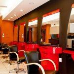 حضور آرایشگر مرد با پوشش زنانه در آرایشگاه خانمها