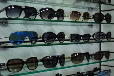 عینکهای آفتابی تقلبی