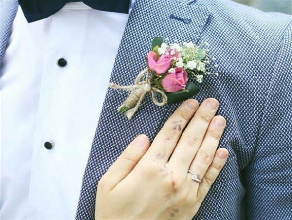 روش های ابراز محبت به زن