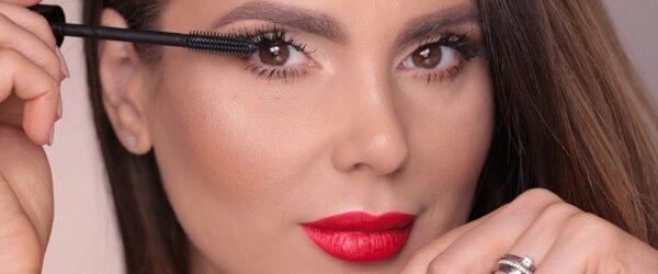 ۱۰ محصول آرایشی مهم که هر خانمی باید داشته باشد