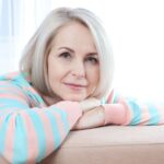 چه میزان کلسیم و ویتامین دی برای زنان یائسه لازم است؟