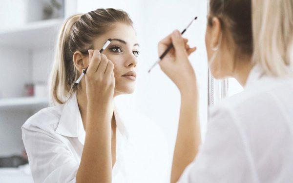 به این روش سریع می توانید صورت خود را آرایش نمائید