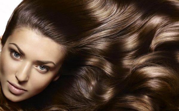برای داشتن موهایی پرپشت و شاداب از این ۶ راه حل کمک بگیرید