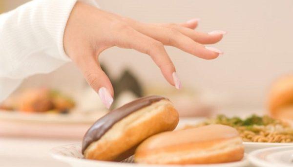 سلامت پوستتان را با مصرف این مواد خوراکی به خطر نیندازید