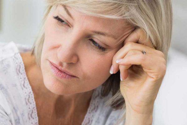 تغییرات هورمونی در خانمها سبب ایجاد حملات وحشت و اضطراب می شود