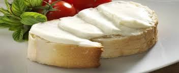 رابطه بین سرطان پستان و خوردن پنیر خامه ای