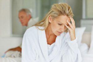 دوران یائسگی با چه نشانه های در زنان آغاز می شود؟