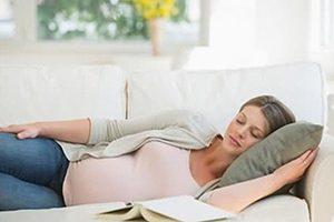 بهترین روش خواب برای زنان باردار