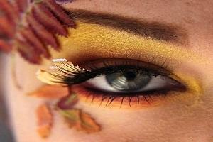 آموزش آرایش چشم دودی پاییزی +راهنمای تصویری