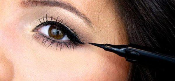 خط چشم مایع