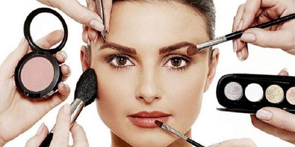 اشتباهات رایج در آرایش صورت + مطلب کاربردی