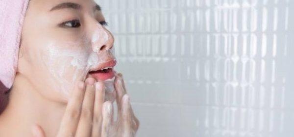 پاک کردن آرایش صورت هر شب ضروری است؟