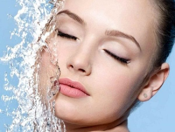 شستن آرایش صورت