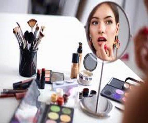 ترتیب مراحل انجام آرایش و استفاده از اقلام مختلف آرایشی +عکس