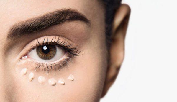 روش حیرت انگیز برای پوشاندن سیاهی زیر چشم که تاکنون نشنیده اید! +عکس