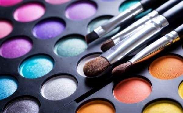 برای اینکه بهترین رنگ را برای سایه چشم انتخاب کنید این نکات را باید بدانید+عکس