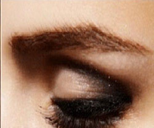 آرایش چشم مناسب برای چشمان گود و عمیق +عکس