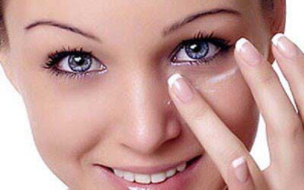 از بین بردن سیاهی دور چشم