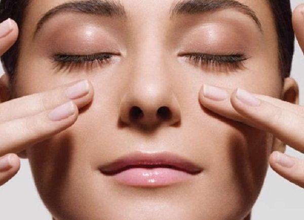 ماسکهای صورتی که پوست را به طور طبیعی روشن و درخشان می کنند