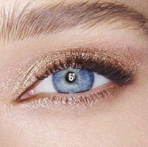آرایش برای بزرگ تر نشان دادن چشم