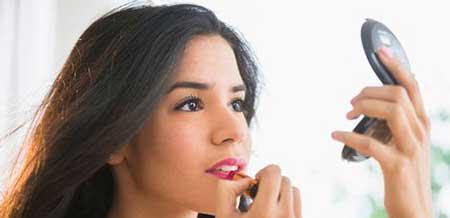 به راحتی با این فنون آرایش کردن پف صورت خود را پنهان کنید+تصاویر