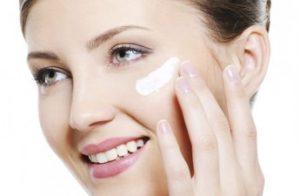 راهکارها و روشهای ثابت ماندن آرایش در تابستان