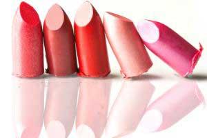 3 رنگ رژ لب لازم برای خانم ها در لوازم آرایش