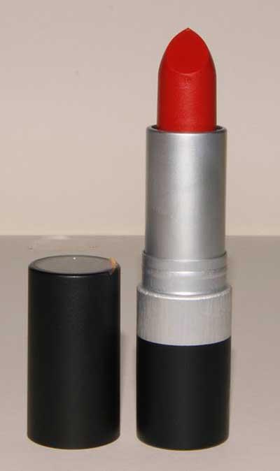 3 رنگ رژ لب لازم برای خانم ها