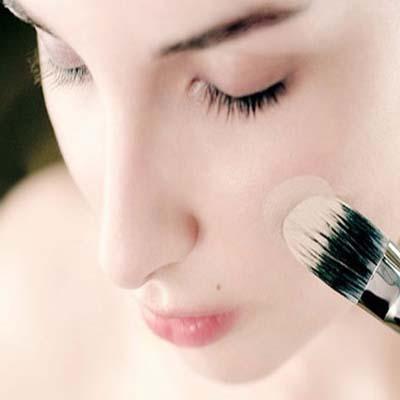 ترفندهای زیرکانه و نکته های آرایشی برای حجم دادن به صورت