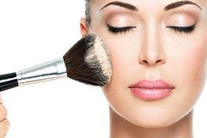 توصیه هایی طلایی برای آرایش پوست چرب
