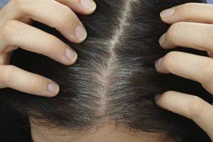 پوشاندن موقت و فوری ریشه های خاکستری مو در سه مرحله