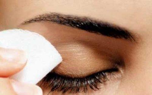 اشتباهات آرایش چشم