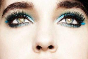 آموزش آرایش چشم بسیار آسان با رنگ های طبیعی برای چشم های آبی