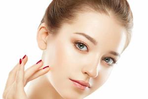 ۵ روش استفاده از جوش شیرین در زیبایی برای سفید و روشن کردن پوست