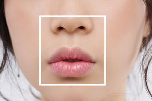 روش های برجسته کردن لب به صورت طبیعی با ترفندهای آرایشی