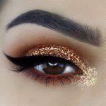 آسان ترین راهنمای آرایش چشم با سایه اکلیلی